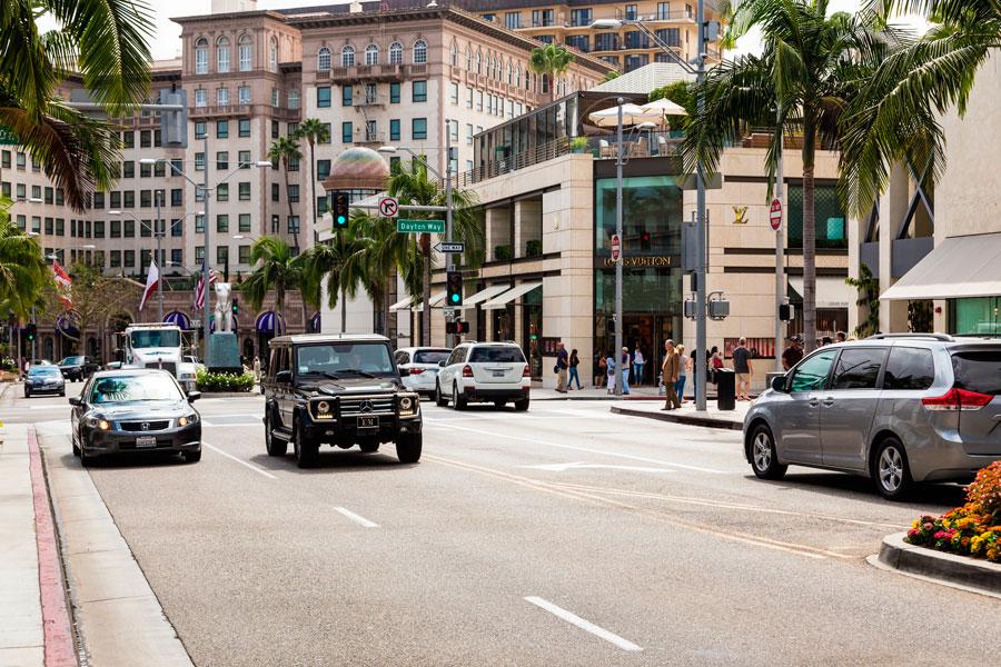 Consejos para conducir en estados unidos. tips para conducir un coche en estados unidos. Reglas de tránsito de estados unidos
