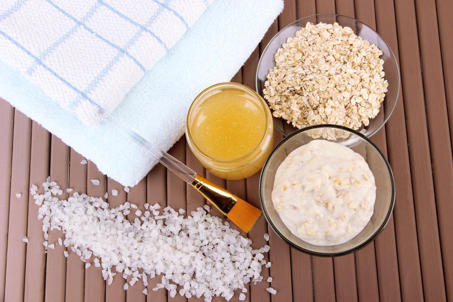 Recetas de exfoliantes naturales. Cómo preparar exfoliantes caseros. 8 recetas para hacer exfoliantes naturales. Ingredientes para hacer exfoliantes