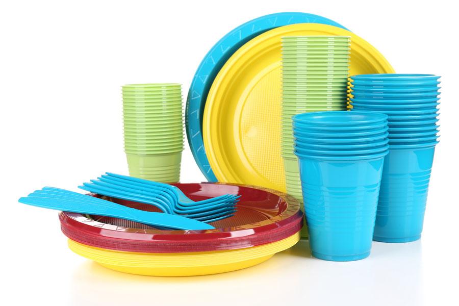 Ideas para reciclar cotillón. Cómo reciclar los elementos de cotillón. Ideas para reciclar vasos descartables