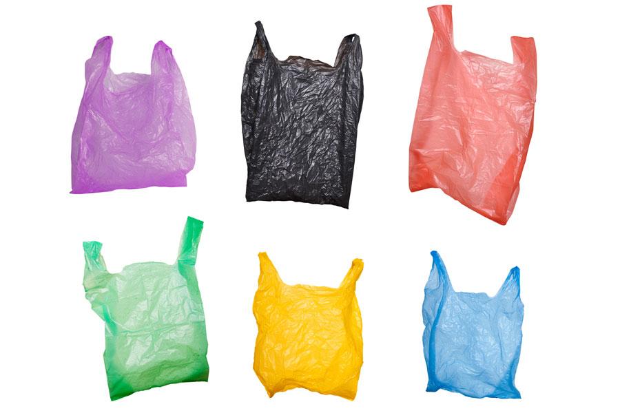 Hilos con bolsas de plástico para hacer moquetas. Cómo reciclar bolsas de plástico y hacer moquetas. Hilados con bolsas plásticas recicladas