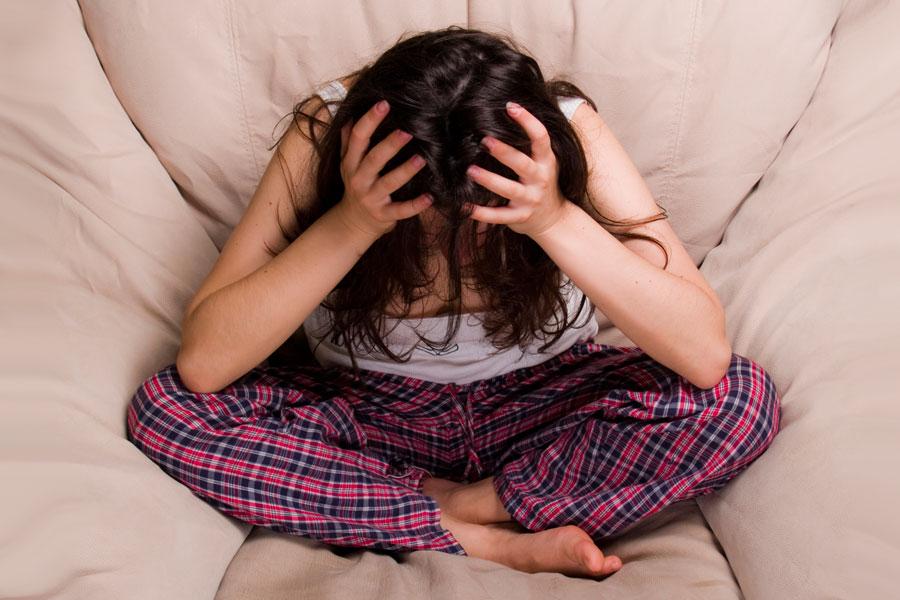 Cómo curar el dolor de cabeza de forma natural. Tips para aliviar el dolor de cabeza naturalmente. Cómo curar las jaquecas naturalmente