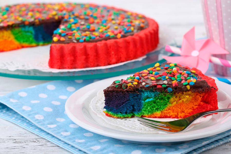 Cómo hacer un pastel con muchos colores. Pastel para un cumpleaños infantil. Receta de pastel colorido para un cumpleaños infantil
