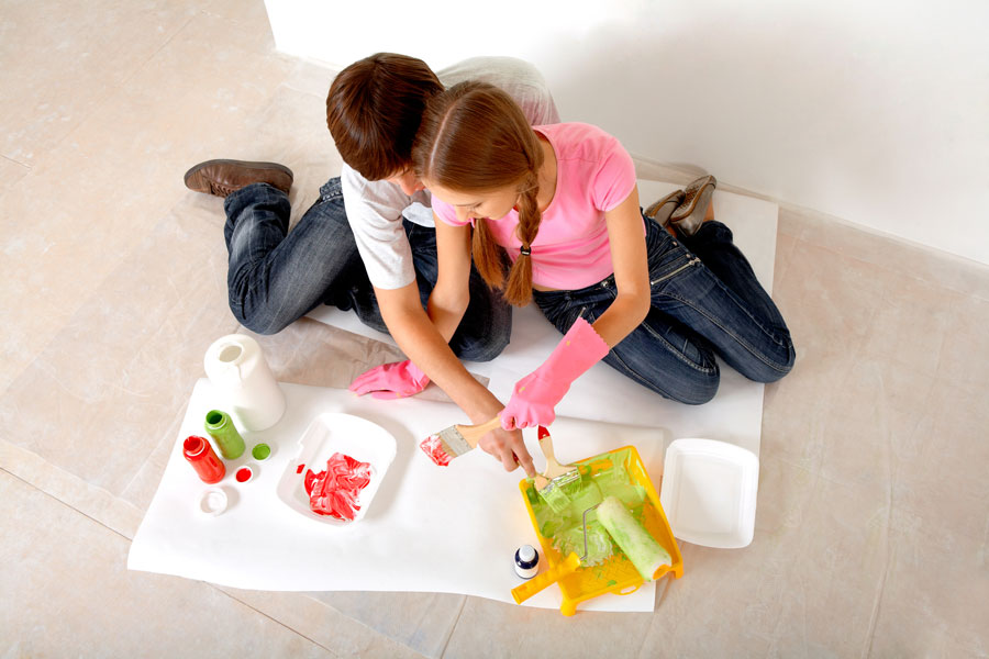 4 opciones para hacer pinturas caseras. Recetas para crear pinturas caseras. Pasos para fabricar pinturas en casa.