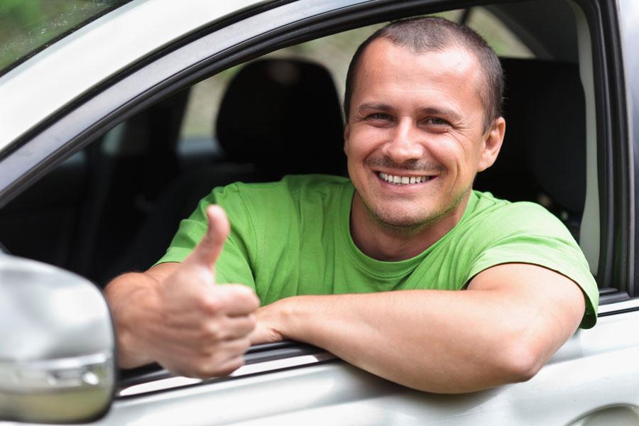 Guía para conducir un auto con caja manual. Cómo usar un coche con caja manual. Cómo conducir un coche manual. Conducir un vehículo con marcha manual