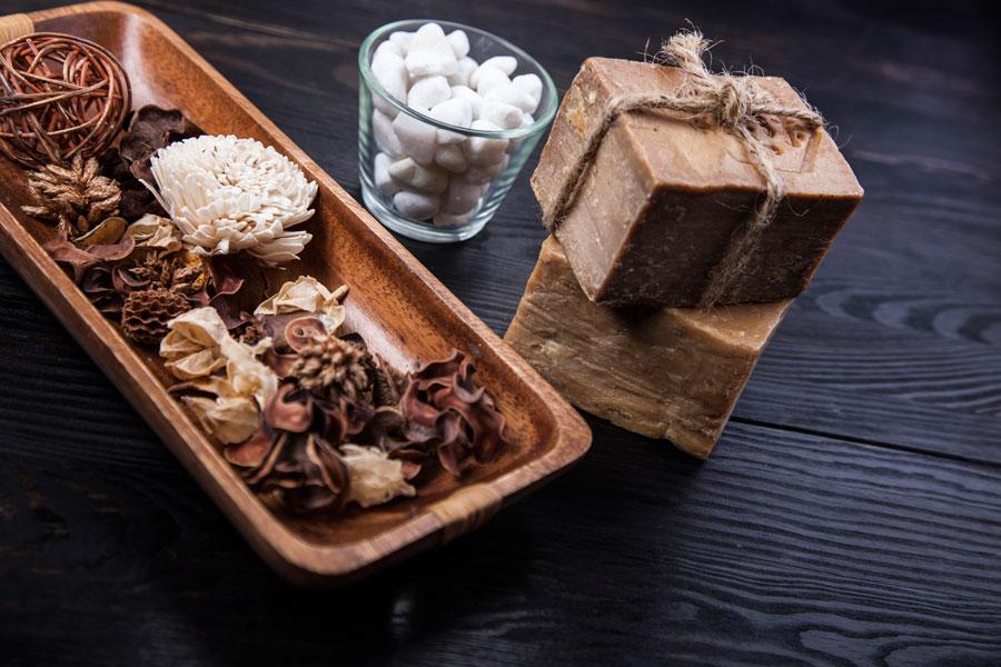 Cómo preparar jabón africano casero. Método para hacer jabón negro en casa. Ingredientes para fabricar jabón negro