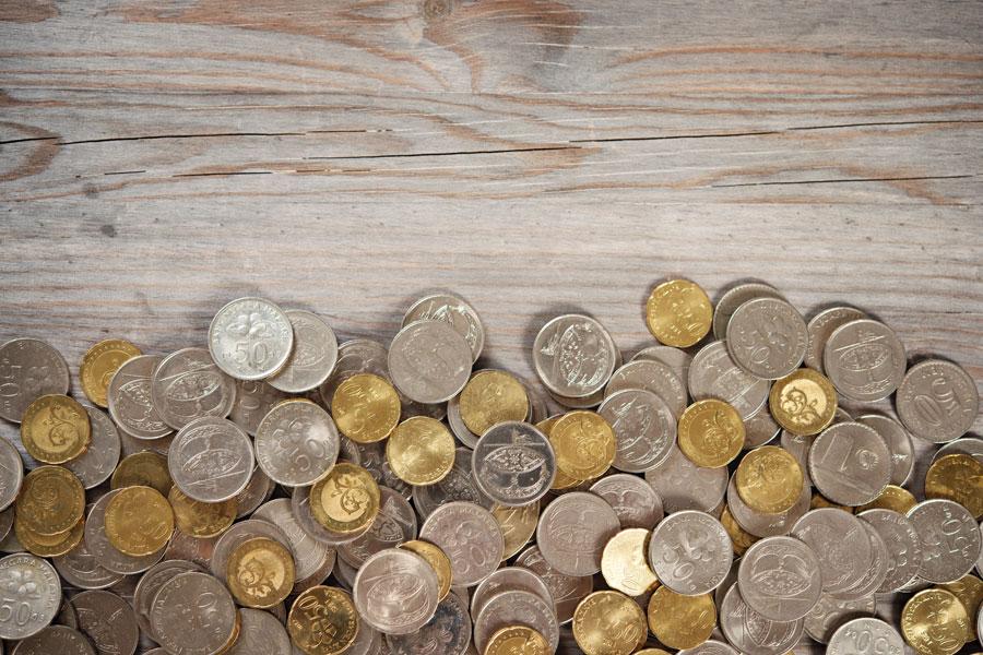 Cómo revestir superficies con monedas. Cómo hacer un revestimiento de paredes con monedas. Revestir superficies con monedas