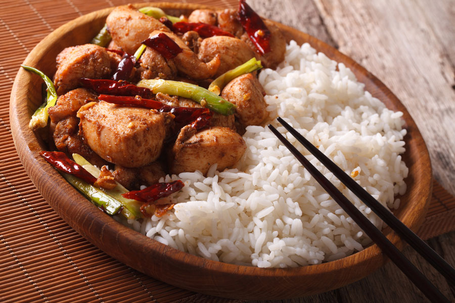 Cómo preparar pollo kung pao. Receta casera para hacer pollo kung pao. Ingredientes para hacer pollo kung pao en casa