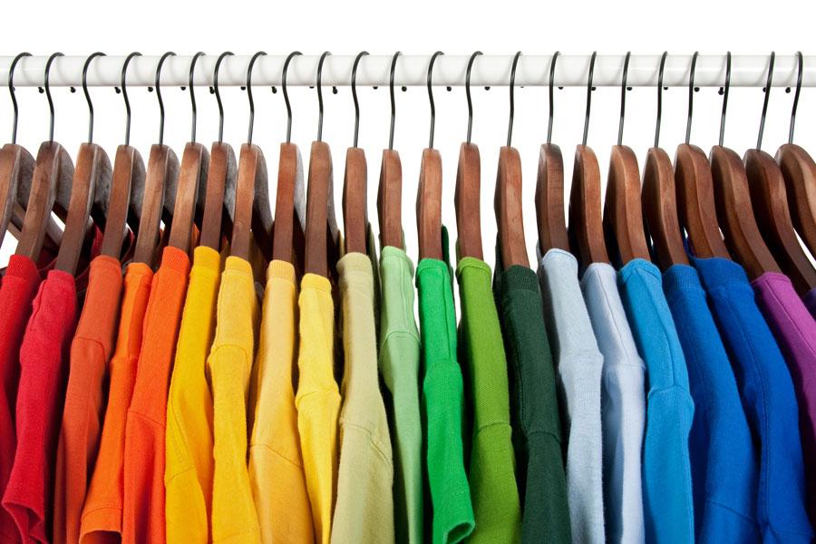 Consejos para elegir el color de la vestimenta. Cómo escoger el color de la ropa. Tips para elegir el color de la ropa para cada ocasión