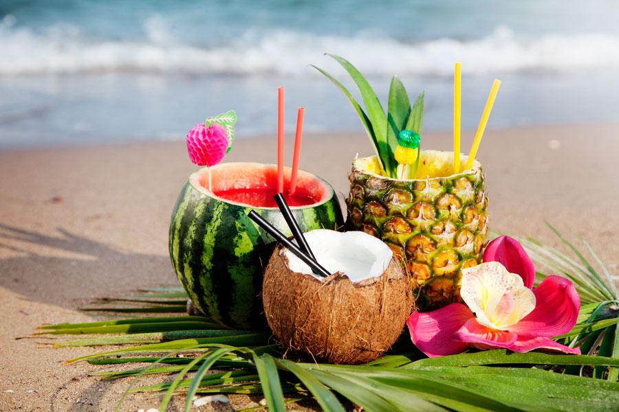 Ideas para crear vasos de fruta. Claves para crear vasos con frutas. Cómo hacer recipientes con frutas. Métodos para hacer vasos con frutas