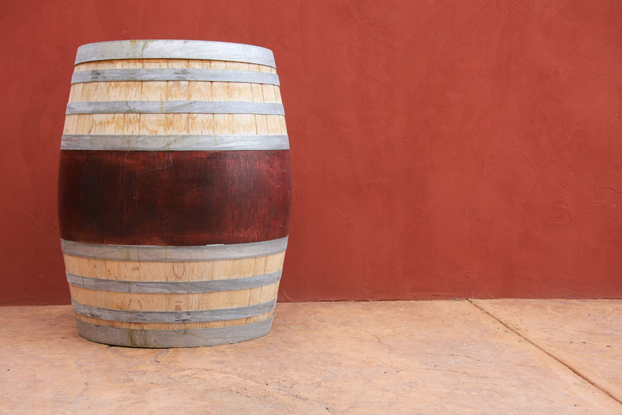 Cómo preparar tintes para madera con vino. Método para teñir madera con vino. Cómo teñir madera con tintes naturales. Teñir muebles de madera con vino