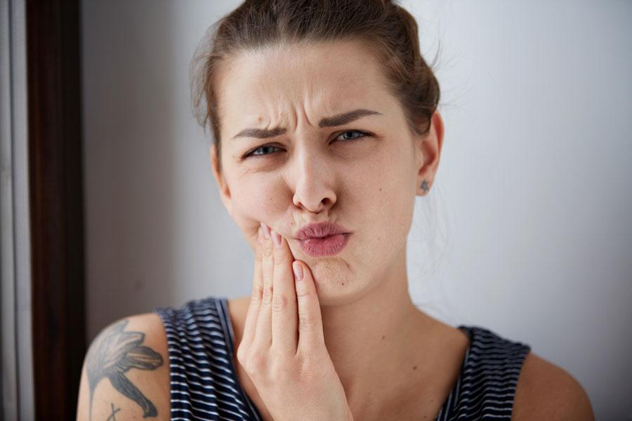 Recetas caseras para dientes sensibles. Cómo aliviar los dientes sensibles. Tratamientos caseros para dientes sensibles. Alivio para dientes sensibles
