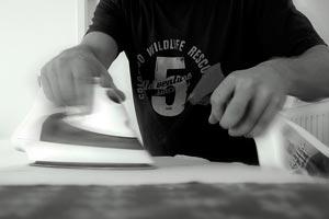 Cómo ahorrar en el uso de la plancha y cómo hacer un planchado más eficiente