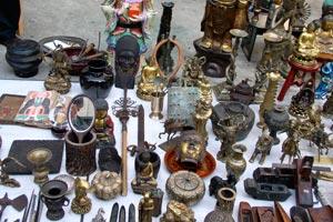 Cómo organizar una venta de garage y ganar dinero con objetos en desuso