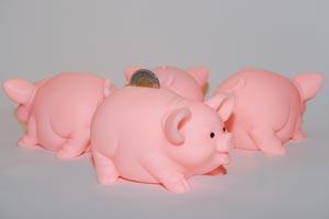 Pautas para evitar problemas cuando un amigo nos presta dinero