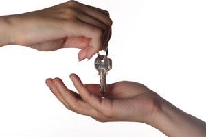 Consejos para organizar gastos y pagos al convivir con un amigo