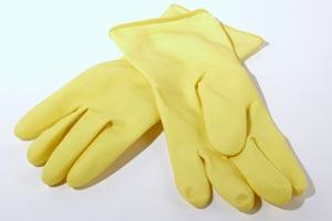 Consejos para limpiar superficies de metal y vidrio en el hogar