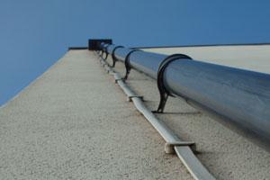 Limpieza y mantenimiento del desagüe y las canaletas de lluvia