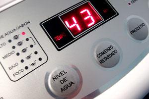 Consejos para elegir una lavadora de diseño y decorar una convencional