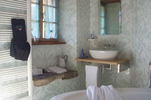 Consejos para limpiar el baño con productos caseros y económicos