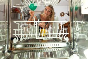 Ahorra agua y electricidad al usar la lavadora y el lavavajillas