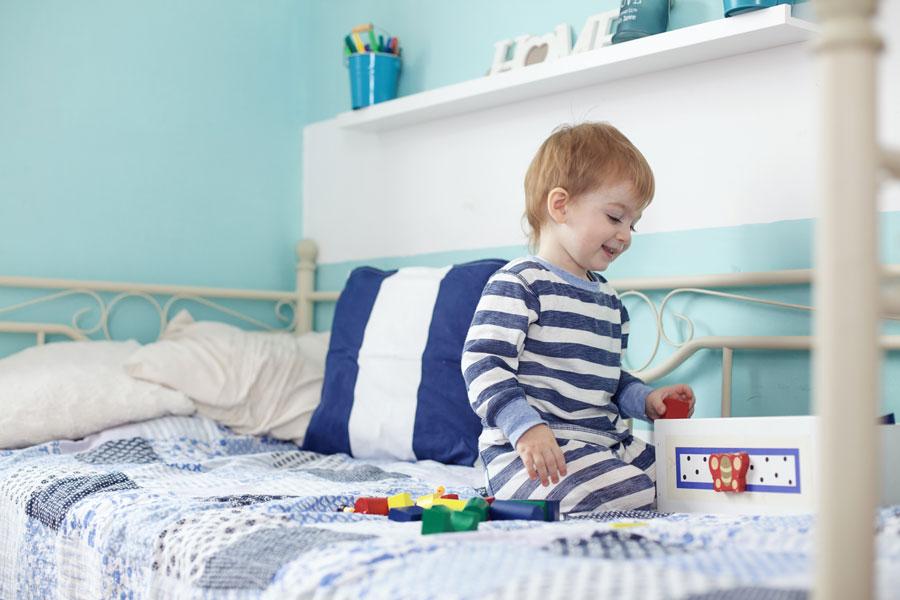 Cómo enseñar a los niños a colaborar en casa. La importancia de enseñarle a los niños a ayudar en la casa. Enseñar a los niños a hacer tareas en casa
